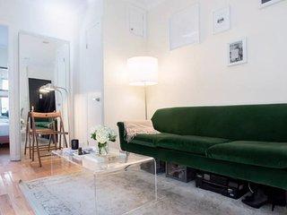 Cozy Two Bedroom Apartment in Soho
