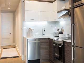 Bright 3 Bedroom Apartment in Gramercy