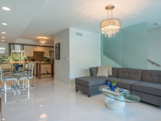 Spacious 2 Bedroom Townhouse in South Beach, Miami