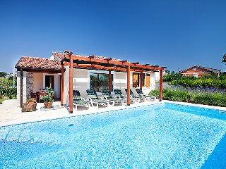 3 bedroom Villa in Pula Duga uvala, Istria, Croatia : ref 2235621