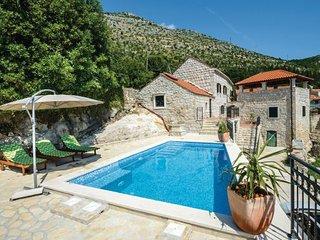 3 bedroom Villa in Dubrovnik-Majkovi, Dubrovnik Riviera, Croatia : ref 2238500, Slano