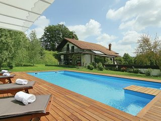 4 bedroom Villa in Pazin-Cerovlje, Pazin, Croatia : ref 2238542