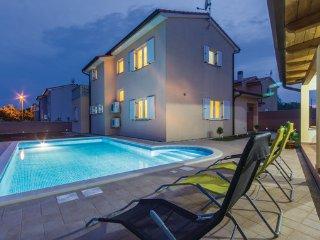 3 bedroom Villa in Pula-Loborika, Pula, Croatia : ref 2238932