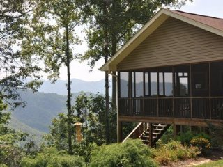Eagles Ridge Cabin - Mountainside Retreat with Hot Tub, Fire Pit, and View - 20, Bryson City