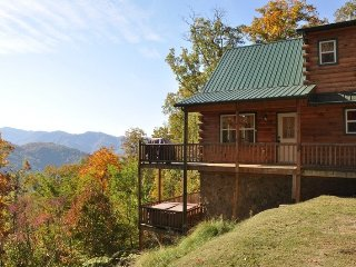 Just Like Bearadise - Mountainside Authentic Log Cabin with Stunning View