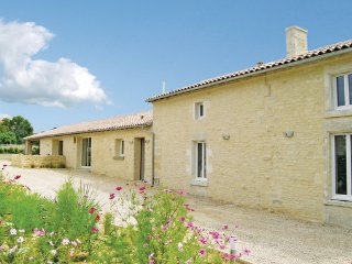 3 bedroom Villa in Maillezais, Vendee, France : ref 2239210