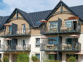 2 bedroom Apartment in Benodet, Brittany, France : ref 5060882