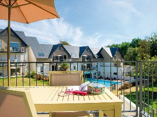 2 bedroom Apartment in Bénodet, Brittany, France : ref 5033479