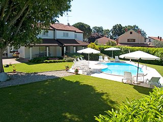 4 bedroom Villa in Porec, Istria, Croatia : ref 5083102
