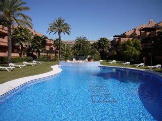 2 bedroom Apartment in Embrujo Playa, Puerto Banus, Spain : ref 2245667