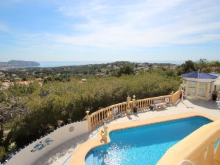 Sirena - sea view apartment with private pool in Moraira