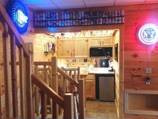 ENCHANTED VIEW- 5 BEDROOM, 4 BATH, SLEEPS 12, LUXURY CABIN WITH AMAZING, Blue Ridge