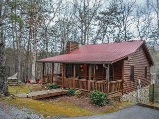 AMAZING GRACE - 2 BEDROOM / 1 BATHROOM, LAKE ACCESS, HAMMOCK, HOT TUB, FIRE