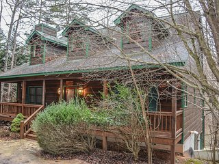 RIVERBEND- 4 BR/3.5 BA, LOG CABIN, LOCATED IN COOSAWATTEE RIVER RESORT, RIVER