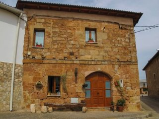 Antigua casa de piedra totalmente reformada,