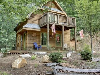 HIKER`S CABIN,DESIGNED FOR THE OUTDOORSMAN! A HIKER`S PARADISE,BRING YOUR