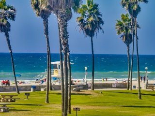 Denise`s South Mission Beach Retreat: Best location, miles away from all the, San Diego