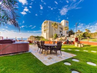 The Trinidad Ocean View Condo - Dog friendly with a Hot Tub & Fire Pit, San Diego