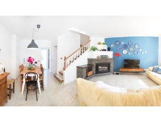 Casa de estilo mediterraneo con piscina y playa, Roda de Bara