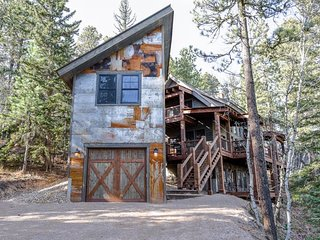 Lonestar Lodge - new 4 bedroom cabin on Gilded Mountain!