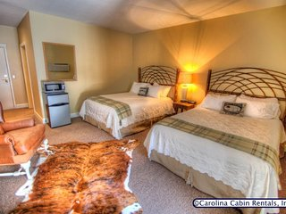 1BR Charming Inn Room at Yonahlassee Resort, Convenient Location Near Downtown