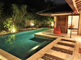 big luxury villa pool & garden.