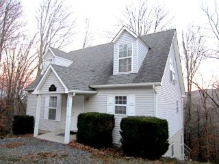 Affordable, 5 bedroom property on Beech Mountain. Master on Main. 0.5 Miles