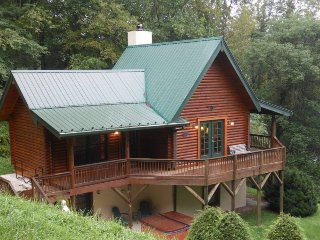 Private Log Cabin on Watauga River Valley in Valle Crucis! Hot Tub, Walk to