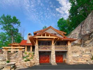4BR Luxury Home In The Lodges at Eagle`s Nest, Long Range Views, 3 King Suites, Banner Elk
