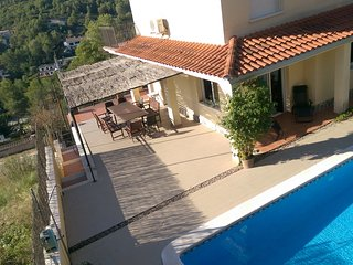 Comfortable villa with pool in the hills of Sitges, Olivella