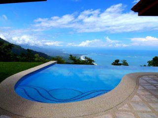 Tranquil Ocean Views~Lush Tropical Gardens~Fabulous Pool~Stunning Villa!