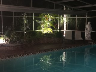 Siesta Key 3 Bdrm Private House with Heated Pool minutes from village and beach