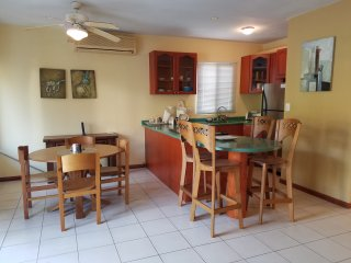 Beautiful Condo  and only 2 minutes from beach!, Playa Ocotal
