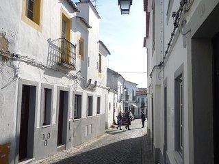 Ebora Home no centro historico