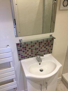 The Bolt Hole bathroom