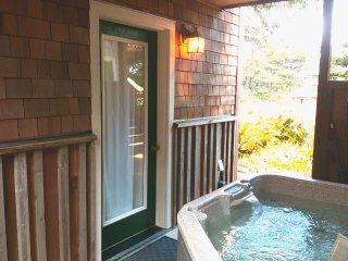 NEW!! Enchanting Suite 300 Feet From Heceta Beach:  Hot Tub, Wifi, Private Patio, Florence