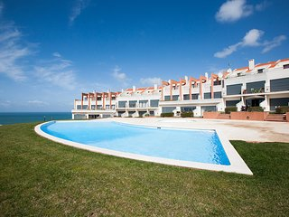 Spectacular 3 bedroom townhouse on the Silver Coast : Lourinha/Areia Branca