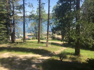 LAKE FRONT - Steps to Village with 3 NIGHT SPECIAL  (Location Location Location), Lake Arrowhead