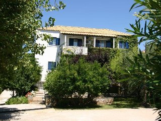 GREECE - Six (6) lovely self-catering apartments only 5 min away from Stoupa