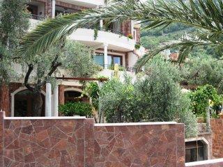 1/3 Room  n.2 balcony sea side, Sveti Stefan