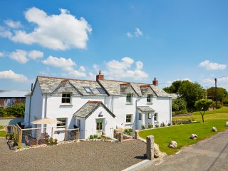 JUST FOR TWO Bright and Spacious 5star Holiday Cottage, North Cornwall Coast, UK