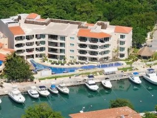 LUXURY APARTMENT up to 8 people!, Puerto Aventuras
