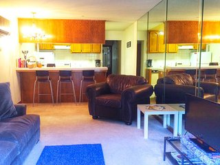 1 Bedroom condo close to Disneyland and OC beaches, Fountain Valley