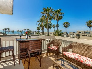 Beach Resort Ocean View Luxury Condo, Heated Pool Perfect for entire Family