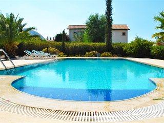 Villa Elegance sleeps 8 people with 4 bedrooms and 3 bathrooms