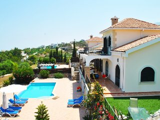 Villa Goodens sleeps 8 people with 4 bedrooms and 4 bathrooms, Zeytinlik