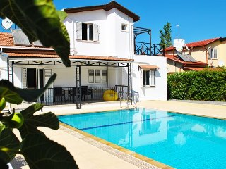 Lovely villa within the walking distance to city centre, Kyrenia