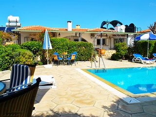 Villa Canna, Ozankoy North Cyprus - sleeps up to 8 pax