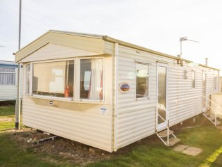 Ref 90043 Seaview, 3 Bed 8 Berth, Dog Friendly, Kessingland Beach Park Resort.