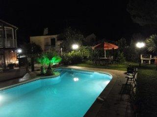 CAP D'AGDE, studio avec piscine dans villa